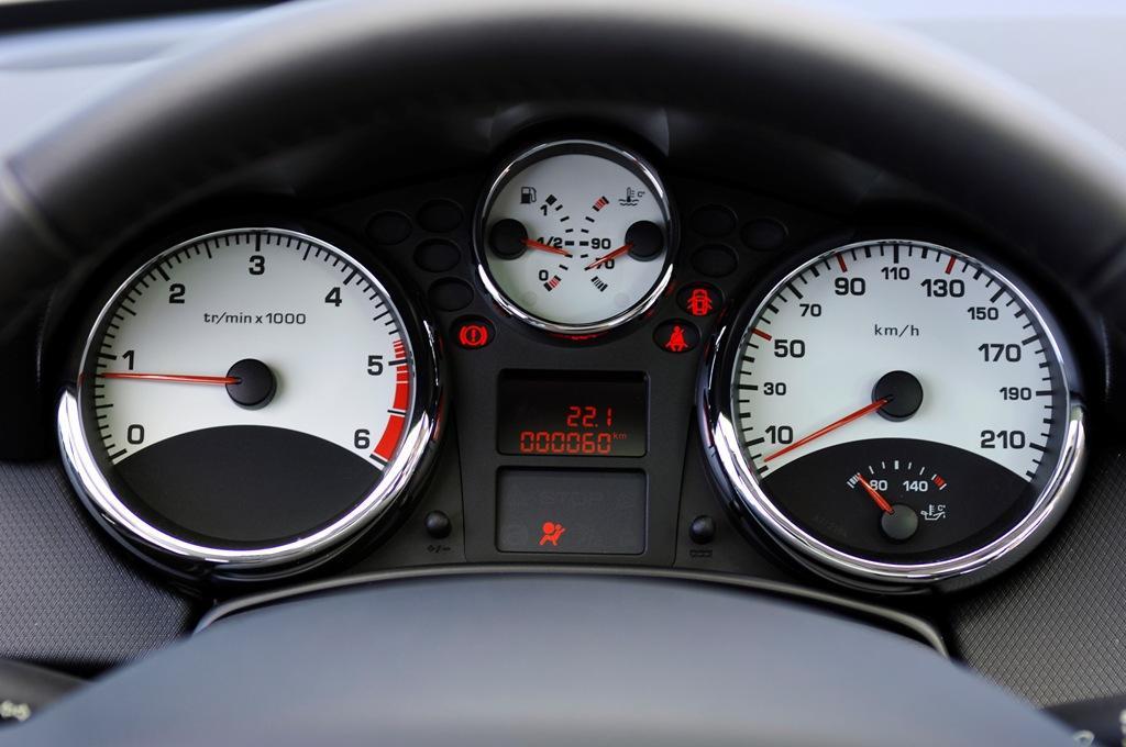 خودرو را برا مدت طولانی در دور آرام روشن نگذارید