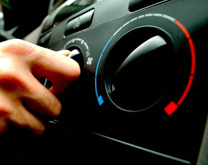 قبل از خاموش کردن موتور تمام وسایل برقی خامش کنید و شیشه ها را بالا دهید